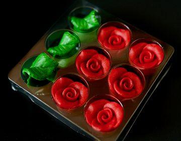 pachet trandafiri si frunze 5 petale